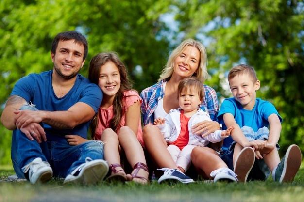 ENQUÊTE FAMILLES – COM COM